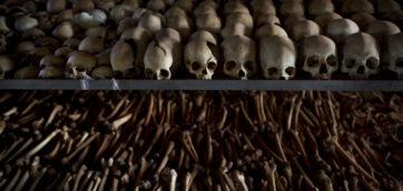 4868286_6_56cb_dans-le-memorial-de-ntarama-au-rwanda-en_9deba0f1d4932b0d35fd164283982078[1]